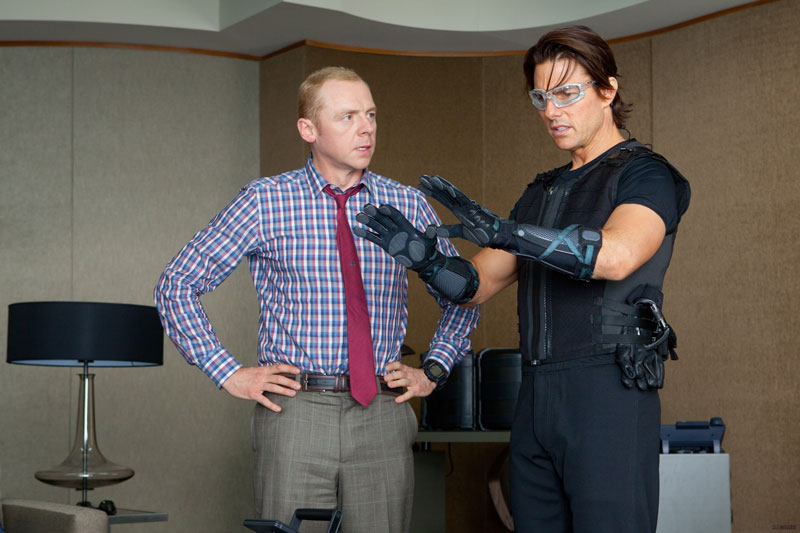 Simon-Pegg-and-Tom-Cruise-in-Mission-Impossible-Ghost-Protocol-2011-Movie-Image